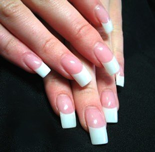 french-manicure-2