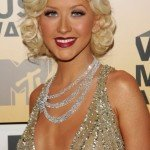 Christina+Aguilera+Long+Hairstyles+Retro+Hairstyle+KPetkQjNdFOl