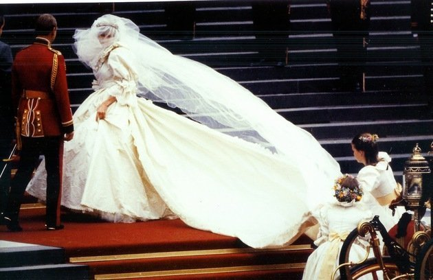 Princess Diana - Elizabeth Emanuel
