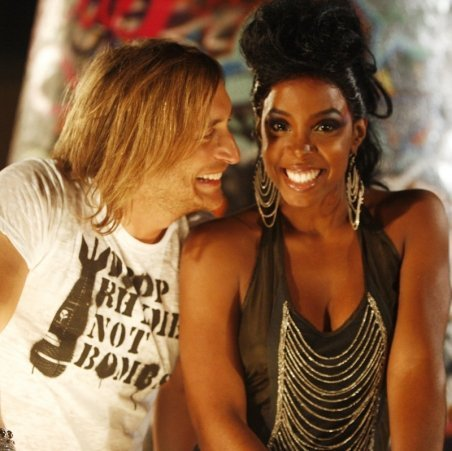 127136_David_Guetta_feat_Kelly_Rowland