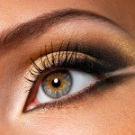 Effective golden-brown make-up